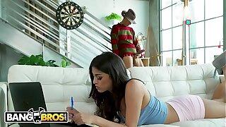 BANGBROS - Freddy Lays Pipe Inside Sophia Leone's Tight Pussy For Halloween